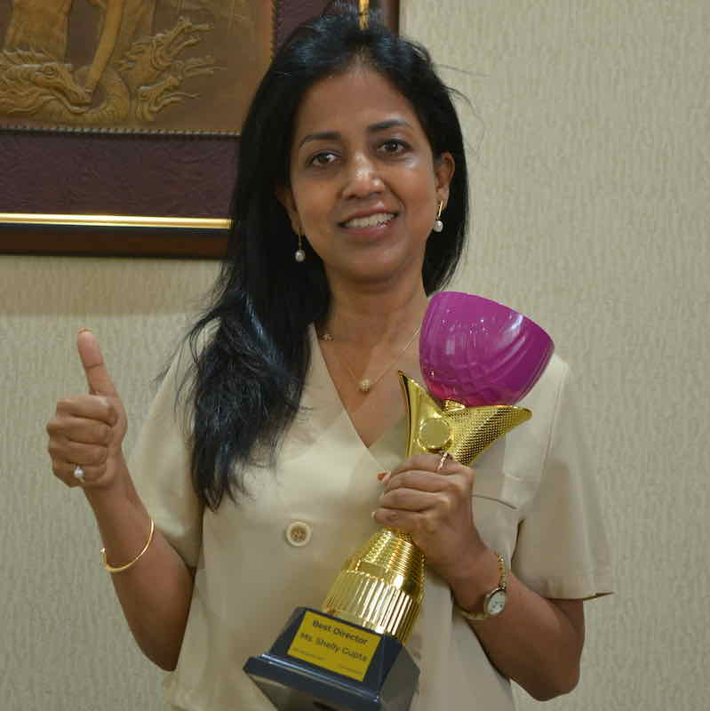 parents presented the Honorary Cup to the Headmaster of Silk Road International School SRIS, Shelly Gupta, as the best headmaster